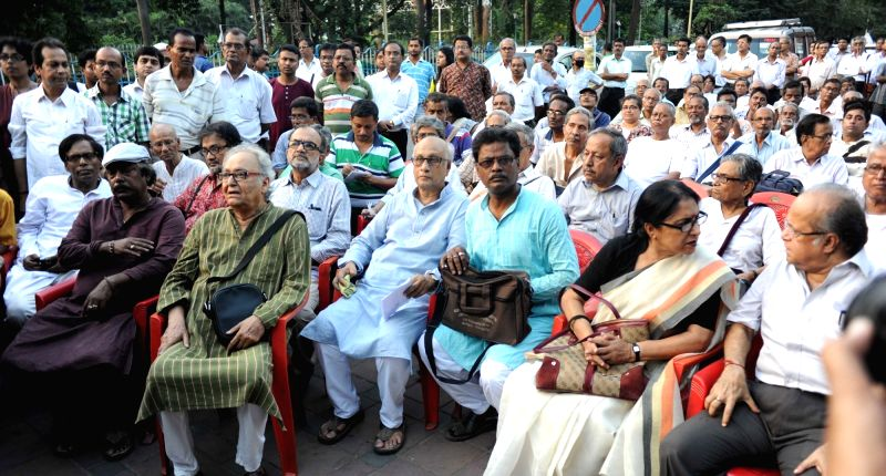 Actor Soumitra Chatterjee, former Supreme Court judge A.K. Ganguly, former city mayor and CPI-M leader Bikash Ranjan Bhattacharya, Congress leader and former union minister Deepa Dasmunsi ... - Soumitra Chatterjee