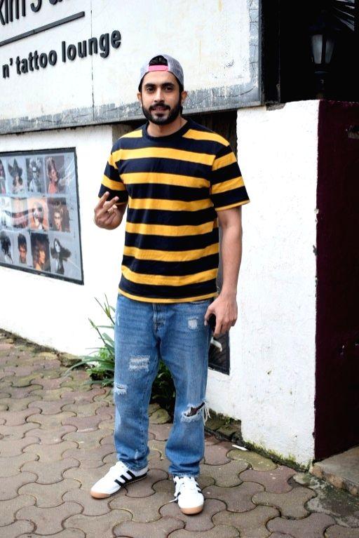 Actor Sunny Nijar seen at a salon in Versova, Mumbai on Aug 9, 2018. - Sunny Nijar
