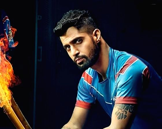 """Actor Tanuj Virwani, who is awaiting the launch of the second season of web show """"Inside Edge 2"""", has shared that he tried to follow Team India skipper Virat Kohli's diet to get in shape for his character."""