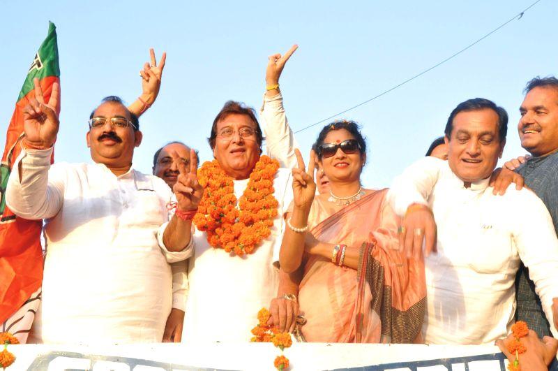 Actor turned politician Vinod Khanna after winning Gurdaspur Lok Sabha seat in Pathankot on May 16, 2014.