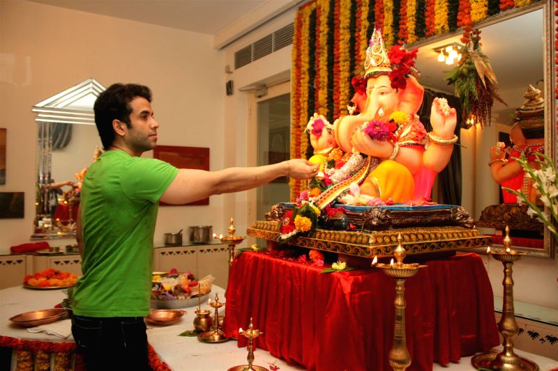 Actor Tusshar Kapoor during the Ganesh Chaturthi celebrations at his residence in Mumbai on Aug 29, 2014. - Tusshar Kapoor