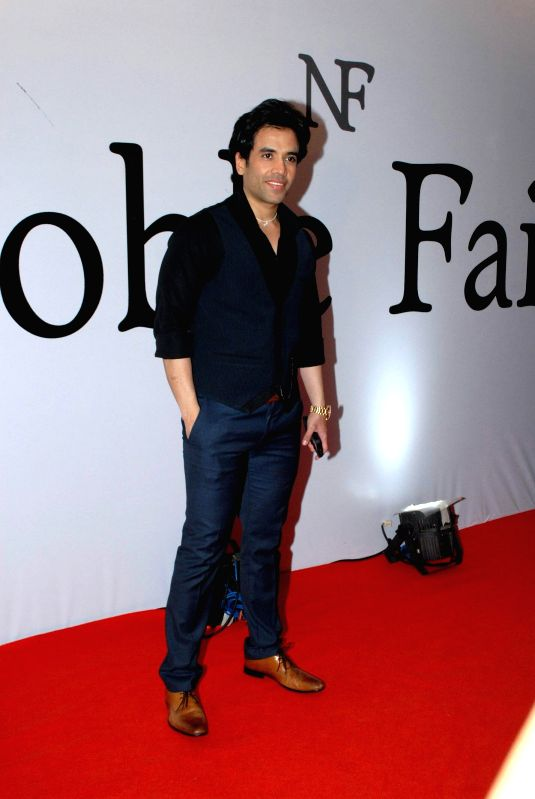 http://files.prokerala.com/news/photos/imgs/800/actor-tusshar-kapoor-during-the-launch-of-the-212723.jpg