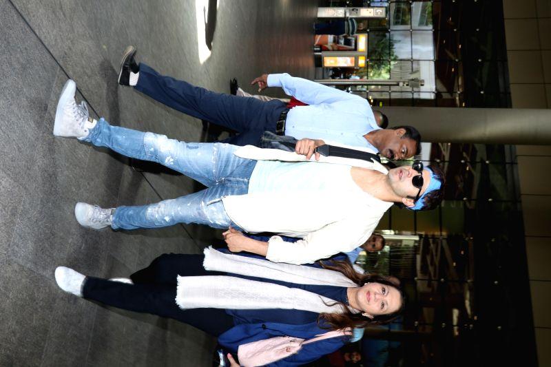 Actor Varun Dhawan Varun Dhawan with his mother Karuna Dhawan at Mumbai airport on May 24, 2017. - Varun Dhawan Varun Dhawan