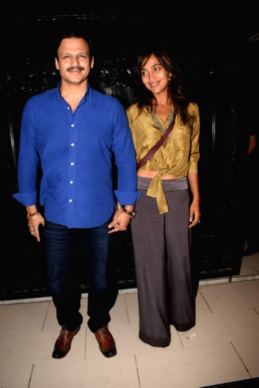 """Actor Vivek Oberoi along with his wife Priyanka Alva Oberoi at the producer Ekta Kapoor's party post web series """"The Test case"""" screening in Mumbai on Jan 29, 2018. - Vivek Oberoi and Ekta Kapoor"""