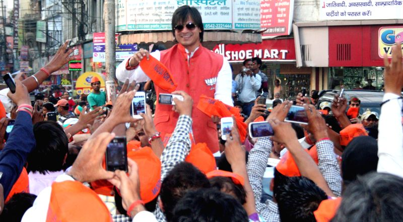 Actor Vivek Oberoi campaigns for BJP in Varanasi on May 6, 2014.
