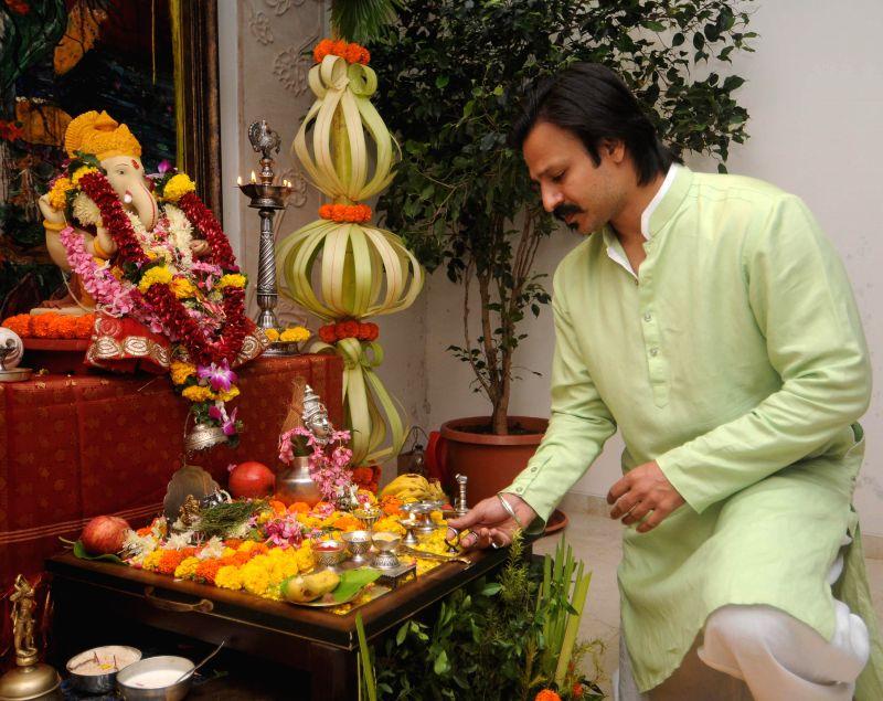 Actor Vivek Oberoi during the Ganesh Chaturthi celebrations at his residence in Mumbai on Aug 29, 2014.