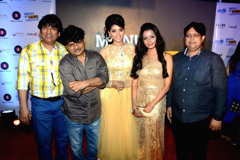 Actors Abhishek Bindal, Raghuvir yadav, Rashee, Reecha Sinha,Manoj Bindal during the music launch of film Mainu Ek Ladki Chahiye in Mumbai on Aug 11, 2014. - Abhishek Bindal, Raghuvir and Reecha Sinha