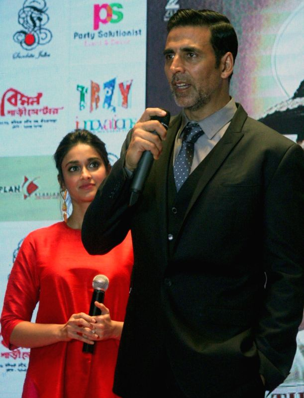 "Actors Akshay Kumar and Ileana D'Cruz during the promotion of their upcoming film ""Rustom"" in Kolkata, on Aug 4, 2016. - Akshay Kumar and Ileana D'Cruz"
