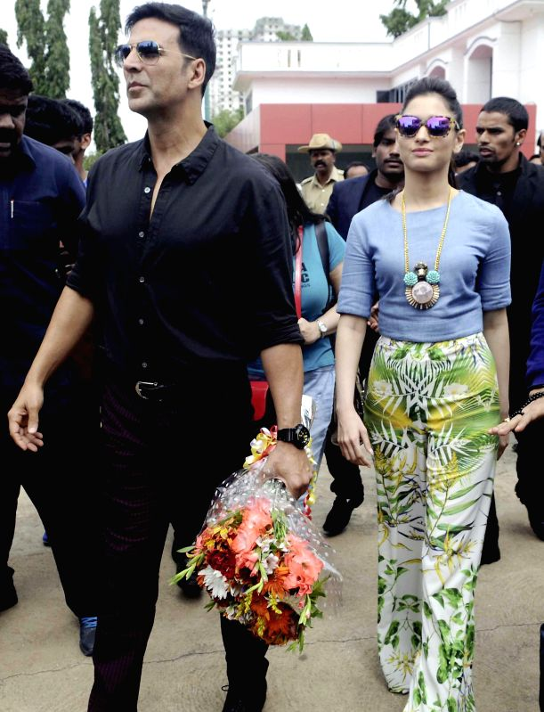 Actors Akshay Kumar  and Tamannaah Bhatia during promotion of their upcoming film ' Entertainment' in Bangalore on Aug 4, 2014. - Akshay Kumar