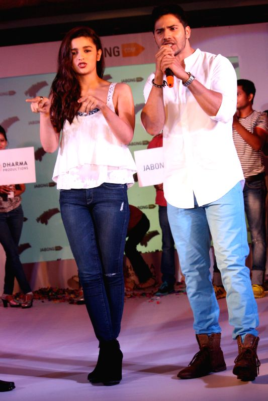 Actors Alia Bhatt and Varun Dhawan during a programme organised to promote their upcoming film `Humpty Sharma Ki Dulhania` in New Delhi on June 27, 2014. - Alia Bhatt and Varun Dhawan