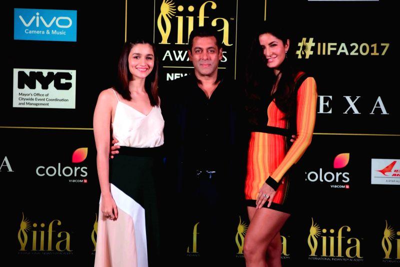 Actors Alia Bhatt, Salman Khan and Katrina Kaif during the press conference of 18th International Indian Film Academy (IIFA) awards in Mumbai on June 1, 2017. - Alia Bhatt, Salman Khan and Katrina Kaif