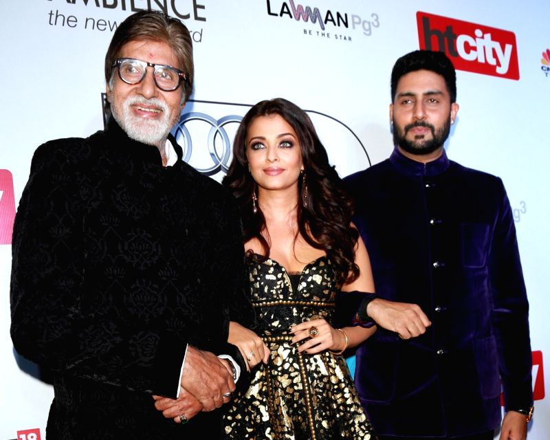 Actors Amitabh Bachchan, Aishwarya Rai Bachchan and Abhishek Bachchan during red carpet of Hindustan Times Most Stylish 2016, in New Delhi on May 24, 2016. - Amitabh Bachchan, Aishwarya Rai Bachchan and Abhishek Bachchan