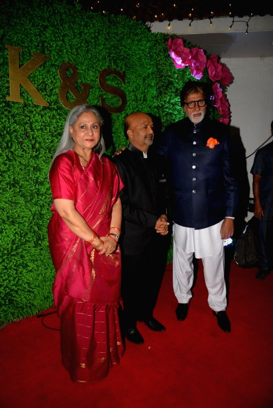 Actors Amitabh Bachchan and Jaya Bachchan at the wedding reception of lyricist Sameer Anjaan's daughter Suchita in Mumbai, on Jan 22, 2019. - Amitabh Bachchan and Jaya Bachchan