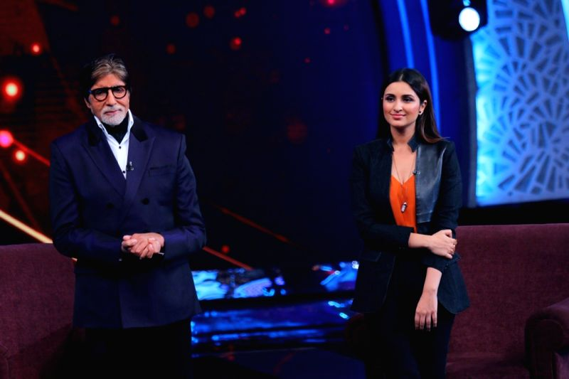 Actors Amitabh Bachchan and Parineeti during the former`s show Aaj Ki Raat Hai Zindagi in Mumbai on Nov 27, 2015. - Parineeti