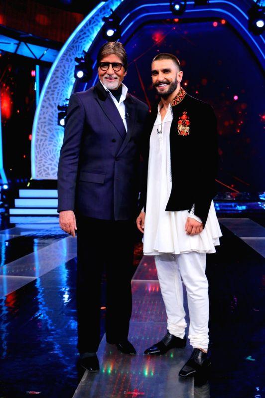 Actors Amitabh Bachchan and Ranveer Singh during the former`s show Aaj Ki Raat Hai Zindagi in Mumbai on Nov 27, 2015. - Ranveer Singh