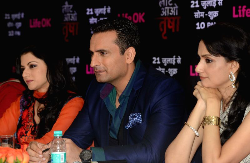 Actors Bhagyashree, Jai Kalra and Rajeshwari  during a press conference to promote their upcoming television soap `Laut Aao Trisha` in New Delhi on July 11, 2014. - Bhagyashree, Jai Kalra and Rajeshwari