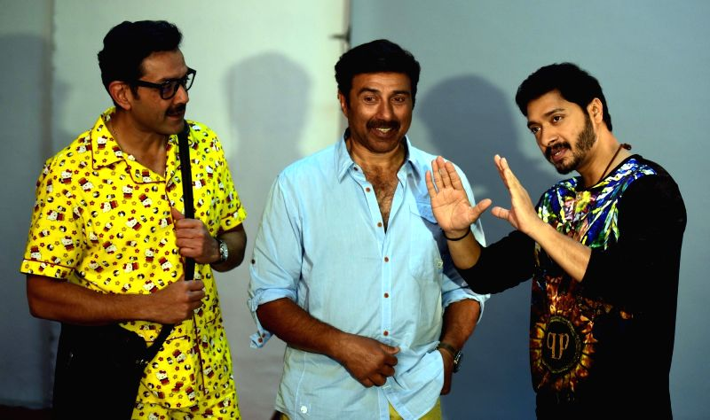 "Actors Bobby Deol, Sunny Deol and Shreyas Talpade during a promotional photoshoot for their upcoming film ""Poster Boys"" at Meheboob Studio in Mumbai on July 17, 2017. - Bobby Deol, Sunny Deol and Shreyas Talpade"
