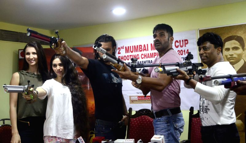 Actors Claudia Ciesla, Sasha Agha and Sunil Shetty during a programme to promote their upcoming film `Desi Kattey` in Mumbai on July 14, 2014. - Claudia Ciesla, Sasha Agha and Sunil Shetty
