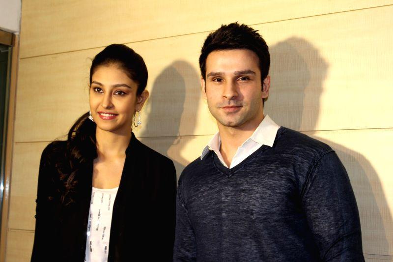 Actors Girish Kumar Taurani and Navneet Dhillon during  the teaser launch of film Loveshhuda in Mumbai  on Dec 3, 2015. - Girish Kumar Taurani and Navneet Dhillon