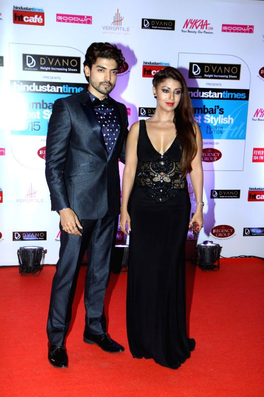 Actors Gurmeet Choudhary with wife, Debina during the Hindustan Times Mumbai`s Most Stylish 2015 Awards in Mumbai, on March 26, 2015. - Gurmeet Choudhary