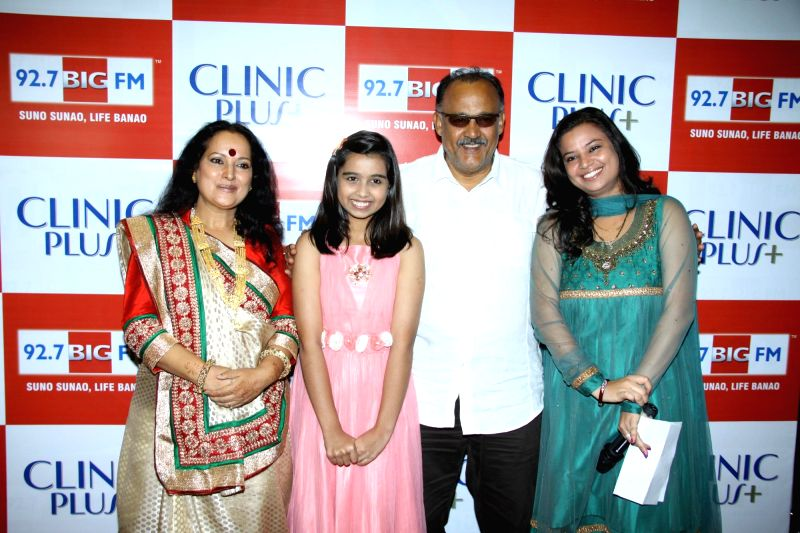 Actors Himani Shivpuri, Alok Nath and television child actor Sparsh Khanchandani during the launch of Maa Ke Aanchal Mein - Radio Ki Pehli Picture by BIG FM & Clinic Plus in Mumbai on May 09, ... - Sparsh Khanchandani, Himani Shivpuri and Alok Nath