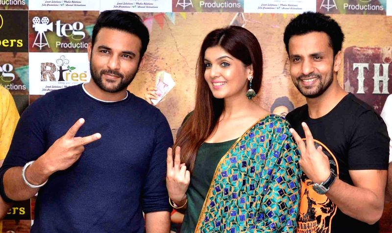 """Actors Ihana Dhillon, Harish Verma and Rajiv Thakur during a programme organsied to promote their upcoming film """"Thug Life"""" in Amritsar in July 17, 2017. - Ihana Dhillon, Harish Verma and Rajiv Thakur"""