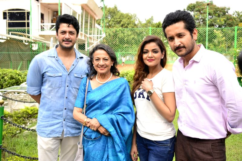 "Actors Jisshu Sengupta,  Tanuja Mukherjee, Arunima Ghosh and Parambrata Chatterjee at a press conference regarding film ""Sonar Pahar"" (Bengali) in Kolkata, on May 16, 2018. - Jisshu Sengupta, Tanuja Mukherjee, Arunima Ghosh and Parambrata Chatterjee"