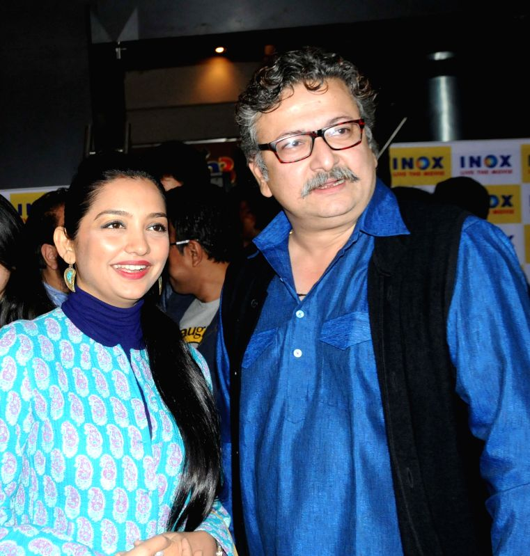 Actors June Maliah and Bhorot Kal during the premiere of ​B​engali film `Badshahi Angti` in Kolkata, on Dec 19, 2014. - June Maliah and Bhorot Kal