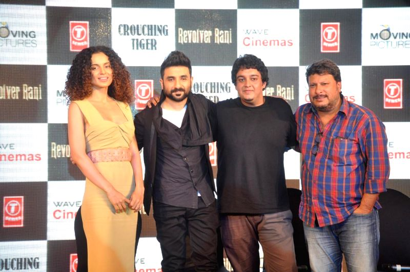 Actors Kangana Ranaut, Vir Das, filmmakers Sai Kabir and Tigmanshu Dhulia during the press conference of film Revolver Rani in Mumbai, on April 10, 2014. - Kangana Ranaut and Vir Das
