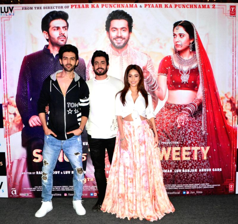 "Actors Kartik Aaryan, Sunny Singh and Nushrat Bharucha during a press conference organised to promote ""Sonu Ke Titu Ki Sweety"" in Kolkata, on Jan 20, 2018. - Kartik Aaryan, Sunny Singh and Nushrat Bharucha"