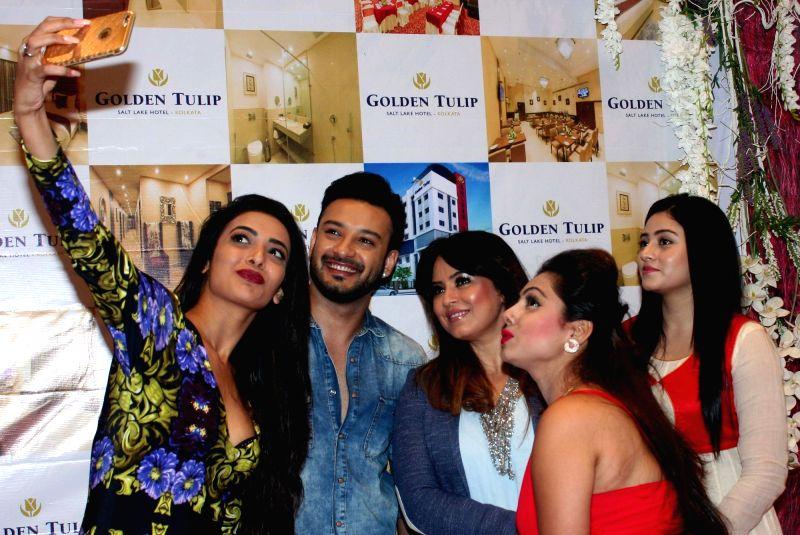 Actors Mahima Chaudhry, Swastika Mukherjee, Shaheb Bhattacherjee, Ridhima Ghosh during a programme in Kolkata on May 7, 2016. - Mahima Chaudhry, Swastika Mukherjee, Shaheb Bhattacherjee and Ridhima Ghosh