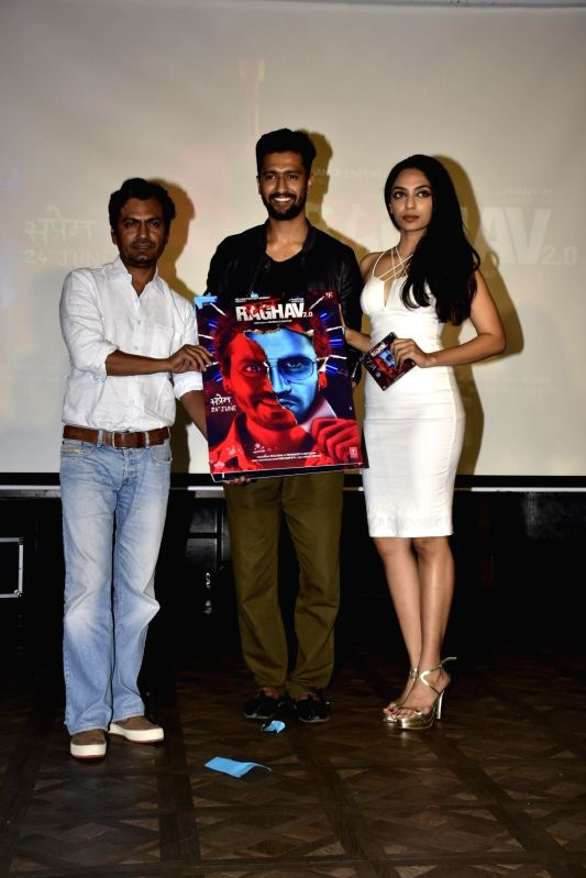Actors Nawazuddin Siddiqui, Vicky Kaushal and Sobhita Dhuliwala during launch of song, Qatl-e-Aam from film Raman Raghav 2.0, in Mumbai on June 03, 2016. - Nawazuddin Siddiqui, Vicky Kaushal and Sobhita Dhuliwala