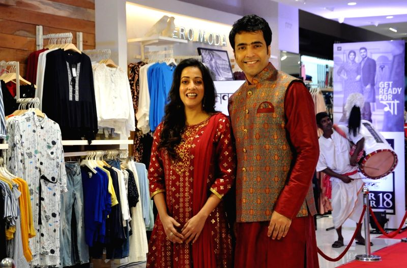 Actors Raima Sena and Abir Chatterjee during a promotional programme in Kolkata on Sept 14, 2018. - Raima Sena and Abir Chatterjee