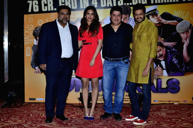 Actors Ram Kapoor, Esha Gupta, filmmaker Sajid Khan and Riteish Deshmukh during the success party of film Humshakals organised by Fox Star Studios and filmmaker Vashu Bhagnani in Mumbai on June 24, .. - Ram Kapoor, Esha Gupta, Sajid Khan and Riteish Deshmukh