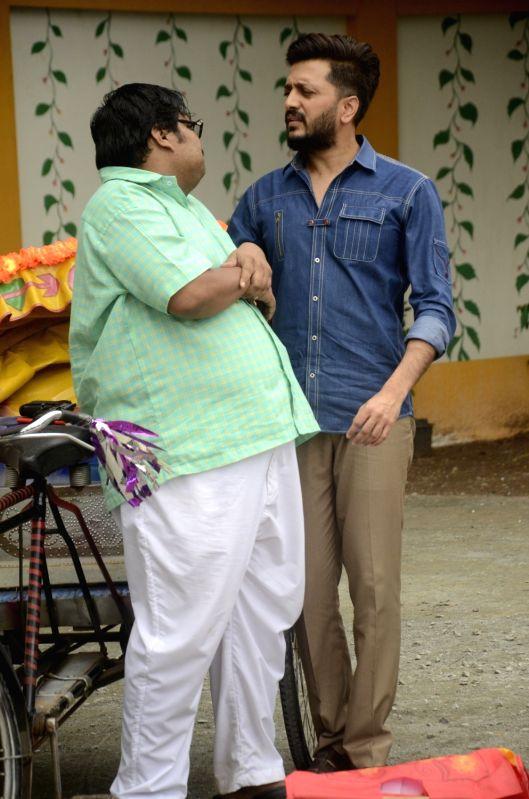 Actors Riteish Deshmukh and Jitu Shivhare during the promotion of film Bank Chor on the sets of Chidiya Ghar, in Mumbai on June 3, 2017. - Riteish Deshmukh and Jitu Shivhare