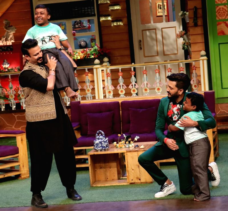 Actors Riteish Deshmukh and Vivek Oberoi during the promotion of film Bank Chor on the sets of The Kapil Sharma Show in Mumbai, on June 8, 2017. - Riteish Deshmukh and Vivek Oberoi