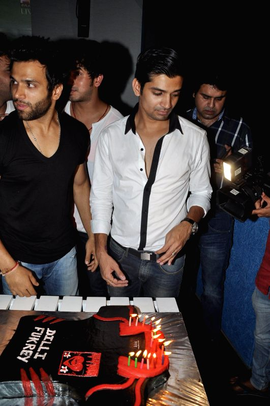 Actors Rithvik Dhanjani and Vishal Singh during the success party of Dilli Fukrey cricket team from Box cricket league (BCL) in Mumbai on April 26, 2014. - Rithvik Dhanjani and Vishal Singh