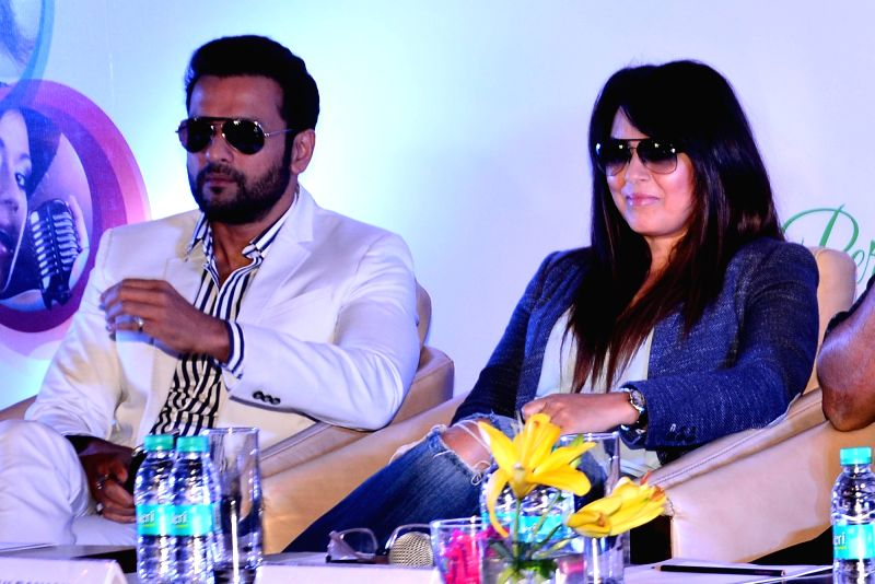 Actors Rohit Roy and Mahima Chaudhry during the opening ceremony of Indian Television Academy in Jaipur, on July 29, 2016. - Rohit Roy and Mahima Chaudhry