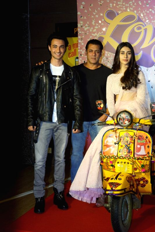 "Actors Salman Khan, Aayush Sharma and Warina Hussain at the trailer launch of their upcoming film ""Loveratri"" in Mumbai on Aug 6, 2018. - Salman Khan, Aayush Sharma and Warina Hussain"