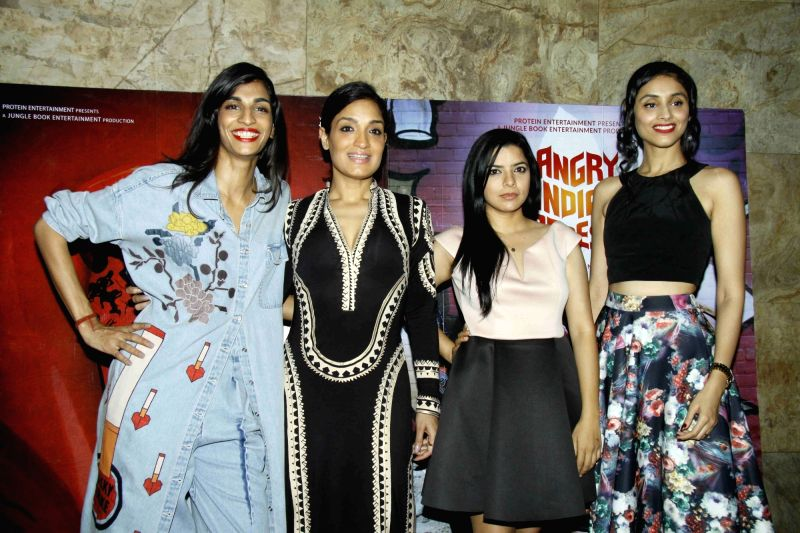 Actors Sandhya Mridul, Rajshri Deshpande, Pavleen Gujral, filmmaker Pan Nalin, Gaurav Dhingra and actor Anushka Manchanda during the screening of film Angry Indian Goddesses in Mumbai  Nov  ... - Anushka Manchanda, Sandhya Mridul, Rajshri Deshpande and Pavleen Gujral
