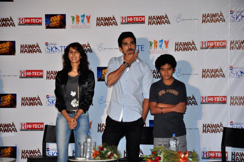 Actors Saqib Saleem and Pragya Yadav during a programme organised to promote their upcoming film 'Hawaa Hawaai' in Gurgaon on May 7, 2014. - Saqib Saleem and Pragya Yadav