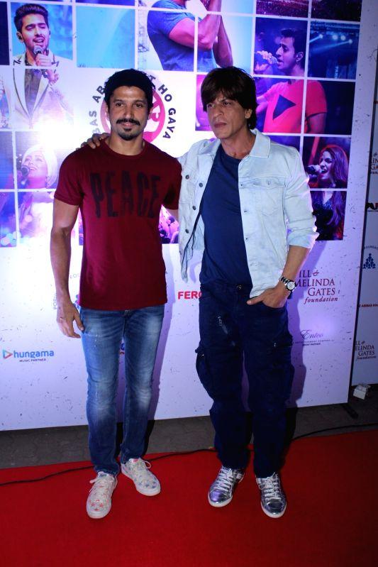 Actors Shah Rukh Khan and Farhan Akhtar at the red carpet of Lalkaar concert in Mumbai on Nov 21, 2017. - Shah Rukh Khan and Farhan Akhtar