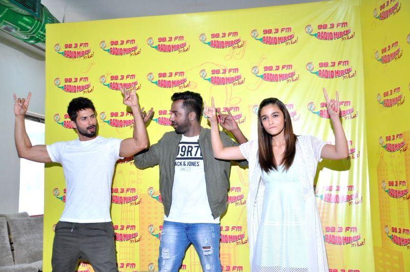 Actors Shahid Kapoor and Alia Bhatt during the promotion of film Udta Punjab at Radio Mirchi studio in Mumbai, on June 3, 2016. - Shahid Kapoor and Alia Bhatt