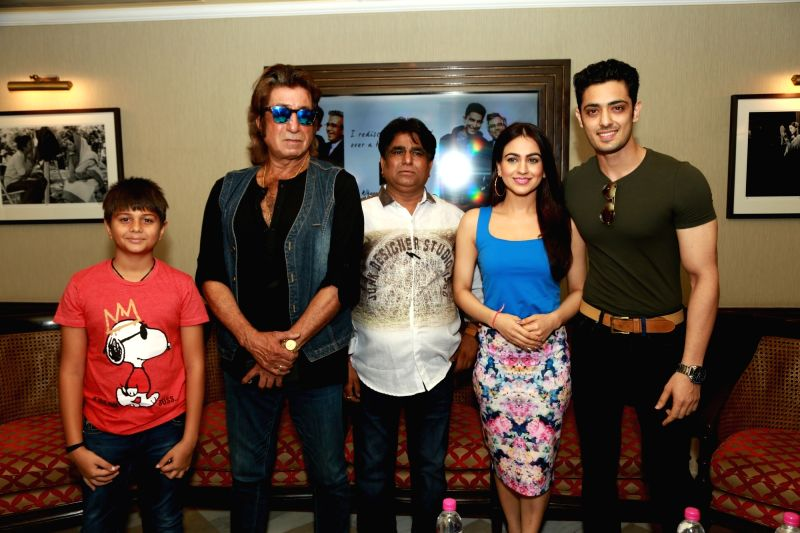 """Actors Shakti Kapoor, Aksha Pardasany and Kashyap Barbhaya during the promotion of their upcoming film """"Love U Family"""" in New Delhi on June 6, 2017. - Shakti Kapoor, Aksha Pardasany and Kashyap Barbhaya"""