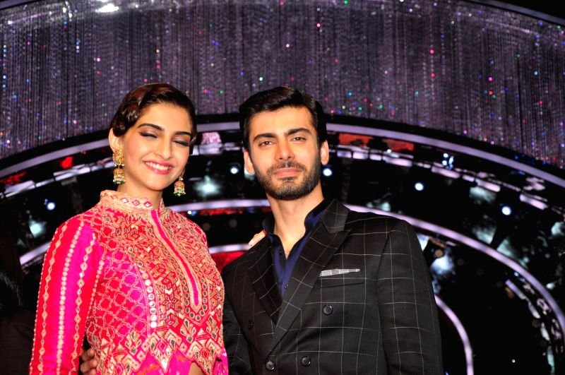 Actors Sonam Kapoor and Pakistani actor Fawad Khan on the sets of Jhalak Dikhla Jaa during the promotion of film Khoobsurat in Mumbai on Sept 2, 2014. - Fawad Khan, Sonam Kapoor and Pakistani