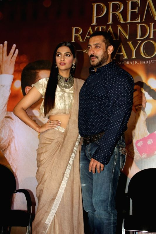 Actors Sonam Kapoor and Salman Khan during the press conference organised to thank the audience for the love and support they have shown for the film Prem Ratan Dhan Payo in Mumbai on Nov 16, ... - Sonam Kapoor and Salman Khan