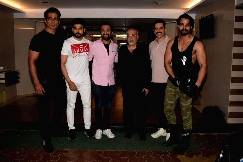 "Actors Sonu Sood, Siddhanth Kapoor, Gurmeet Choudhary,  Luv Sinha, Harshvardhan Rane and producer J.P. Dutta at the wrap up party of film ""Paltan"" hosted by actor Sonu Sood in ... - Sonu Sood, Siddhanth Kapoor, Gurmeet Choudhary, Luv Sinha and Harshvardhan Rane"