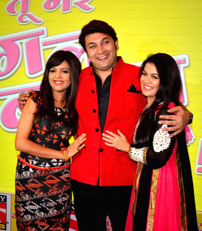 "Actors Sugandha Mishra, Rajesh Kumar and  Shweta Gulati during a programme to promote their upcoming comedy show ""Tu Mere Agal Bagal Hai"" in Amritsar on July 25, 2014. - Sugandha Mishra, Rajesh Kumar and Shweta Gulati"