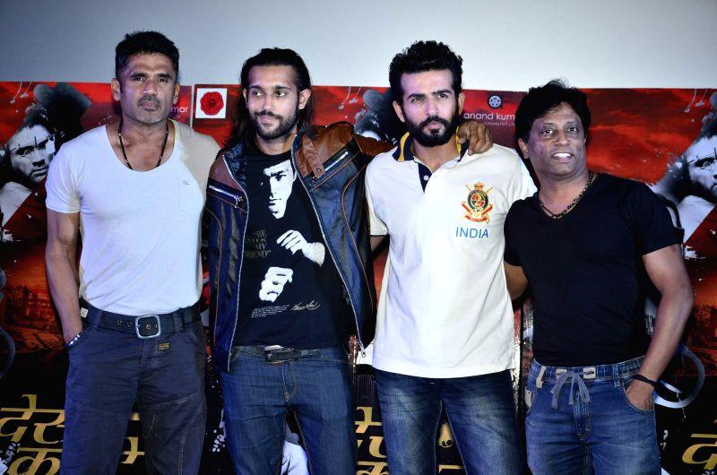 Actors Suniel Shetty and Jay Bhanushali during the launch of film Desi Kattey in Mumbai on July 3, 2014. - Suniel Shetty and Jay Bhanushali