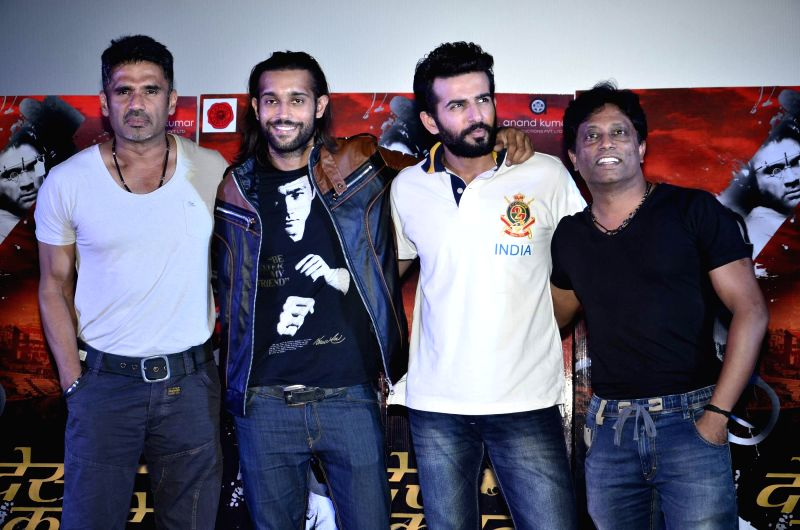 Actors Suniel Shetty and Jay Bhanushali during the launch of film Desi Kattey in Mumbai on July 3, 2014. - Suniel Shetty and Jay Bhanushali
